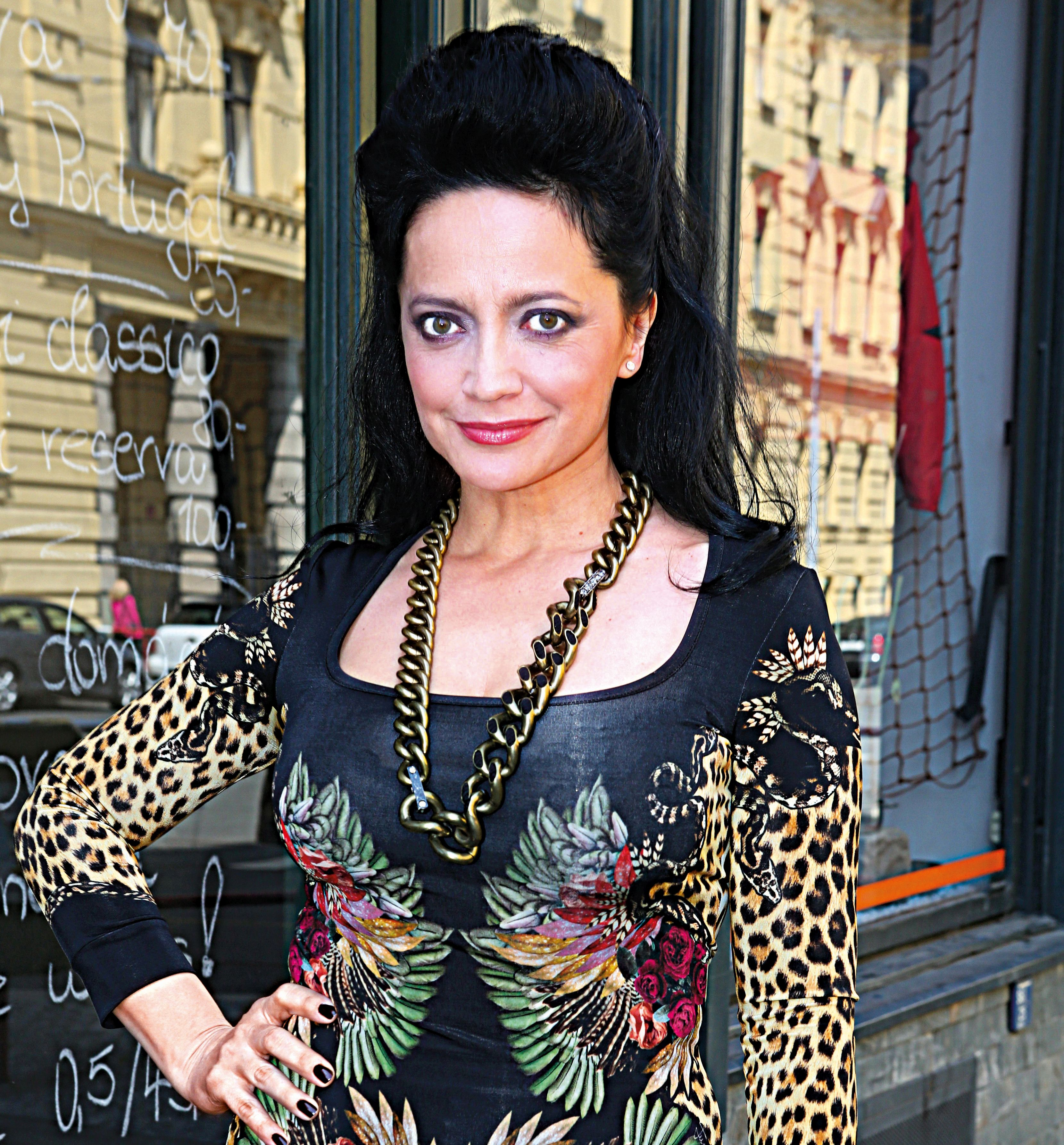 Krest CD Amoroso muzikaloveho zpevaka Radima Schwaba.